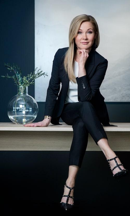 Lisa Rogalin jobbar som stylist och driver personal shopping-avdelningen på NK i Stockholm.