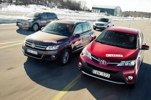 Här ser vi första generationen Tiguan (efter uppdateringen 2011) i test mot Toyota RAV4, Honda CR-V och Ford Kuga. 2013 var året.