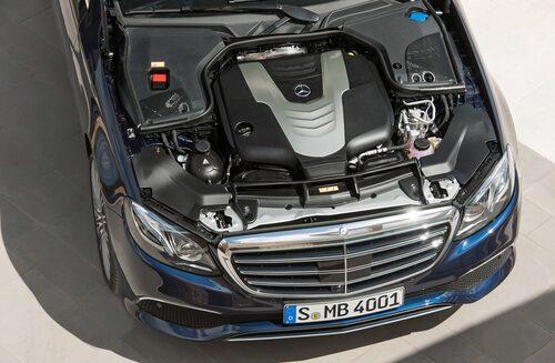 350 d-dieselmotorn i E-klass har för tillfället stoppats från att säljas.