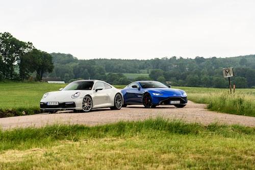 Två klassiska sportbilsnamn. Två helt olika recept. Den ena ÄR bättre än den andra.