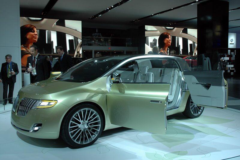 Lincoln Concept C (MKT på bilden ovan).