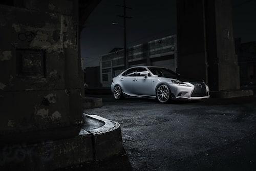 Lexus IS 350 F Sport årsmodell 2014 av Seibon Carbon