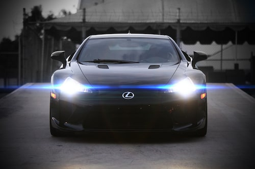 Lexus LFA årsmodell 2012 av Guy S. De Alwis