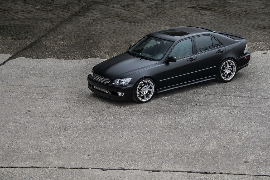 Lexus IS 300 årsmodell 2004 av Maricar Cortez