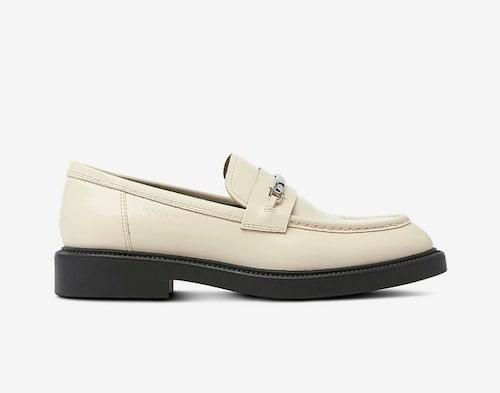 Vita loafers från Vagabond.