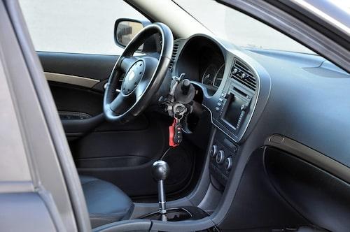 En Saab 9-3 med tändningslåset vid ratten? Jo, när det handlar om Swiper V10....