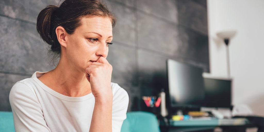 Hon känner sig hemsk som irriterar sig på bonusbarnen. Och hon undrar: Kan våra barn också få autism?