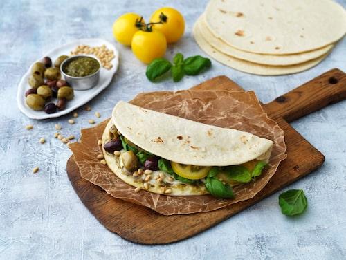 Vegetariska alternativ finns det gott om. Som här med pesto, oliver och pinjenötter. Mums!