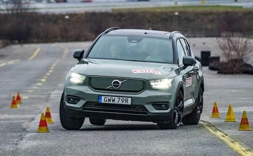 Volvo XC40 Recharge P8 AWD kommer framöver att levereras med året-runt-däck.