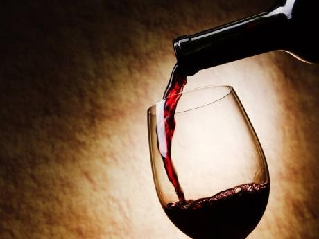 Erica Landin hjälper dig välja bra vin.