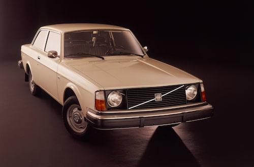 Volvo 242 L, 1975