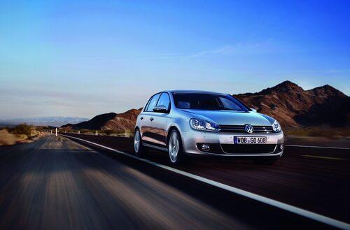 12. Volkswagen Golf, 648 000 exemplar.