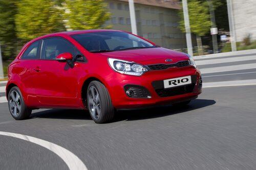 5. Kia Rio/Pride, 815 337 exemplar. Rio säljs dessutom under namnet Pride på vissa marknader. Till exempel i Iran, under iranska bilmärket Saipa, där 1987 års modell såldes i cirka en halv miljon exemplar under 2011.