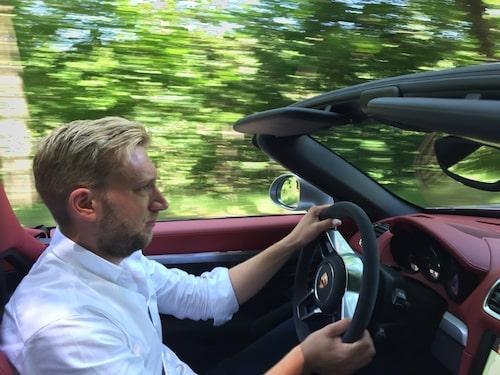 Erik Wedberg gillar varken sol eller att köra nedcabbat. Boxster Spyder gillas dock.