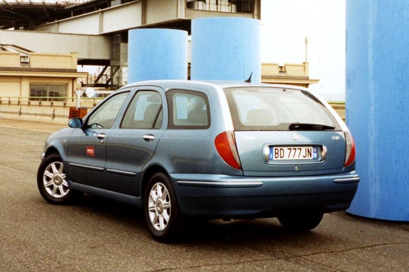Provkörning av Lancia Lybra