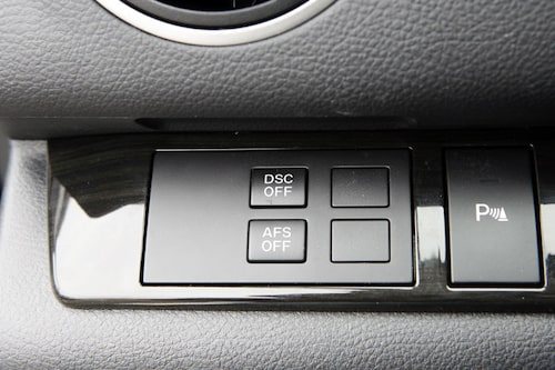 Antisladd (DSC) går att stänga av men även det automatiska kurvljuset (AFS).