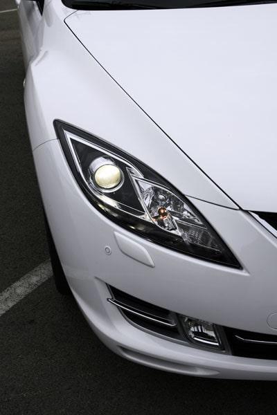 Mazda har jobbat hårt för att få ett snyggt stuk på strålkastarna. Har de lyckats?