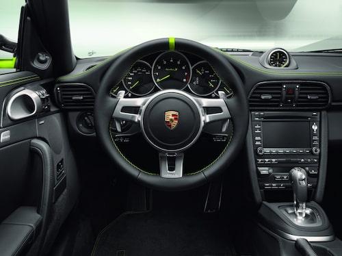 Porsche 911 Turbo S Cabriolet Edition 918 Spyder