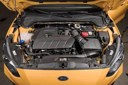 2,3-litersmotorn är en fin pjäs där ett högt vridmoment är utmärkande. 420 Nm och 280 hk.