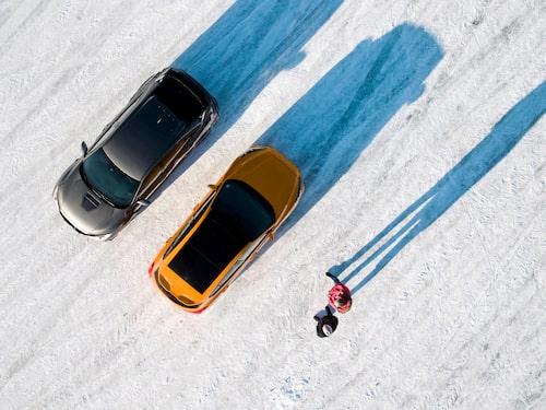 Honda och Ford drar åt olika håll när körglädje ska tolkas. Vad man gillar är en smaksak, lekfulla Focus ST eller kurvkramande Civic Type R?