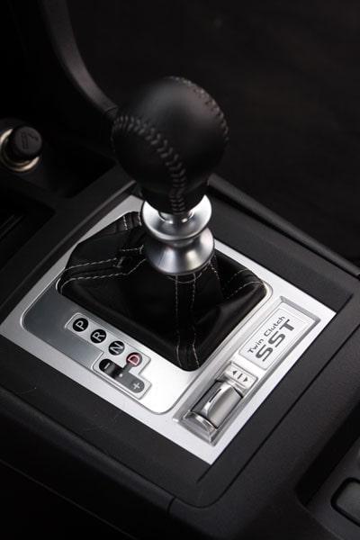 SST-lådan är av dubbelkopplingstyp. Fungerar sådär i nya Evolution, helt klart ett steg efter VW:s DSG.