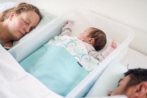Pepi-pod, som påminner om babynest, kan ha bidragit till att antalet fall av plötslig spädbarnsdöd har minskat i Nya Zeeland.
