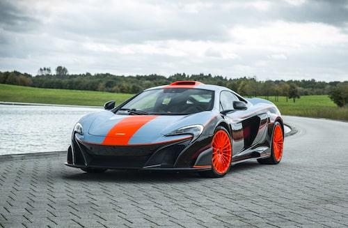 McLaren 675LT i MSO:s Gulf Racing-tema.