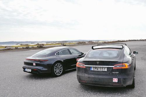 Model S Performance får lasta 75 kilo på takbågarna, men då återstår endast 312 kilo i verklig maxlast.