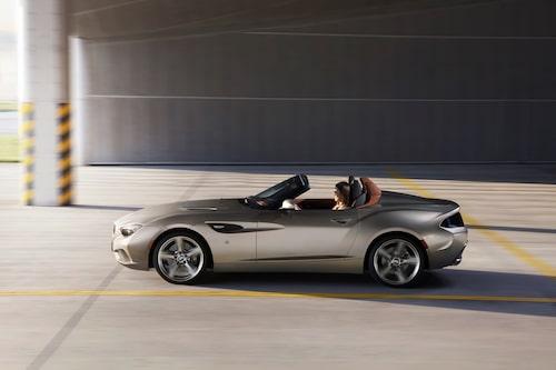 Varken BMW eller Zagato har gått ut med vad det är för drivlina under huven, men det ryktas handla om en dubbelturboladdad sexcylindrig motor på tre liter och 400 hästkrafter.