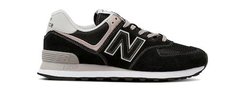 Svarta mockasneakers från New Balance.