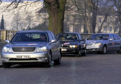 Lexus GS, BMW 7-serie och Mercedes S-klass.
