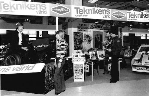Ronnie Peterson med Teknikens Värld på Motormässan i Malmö 1977.