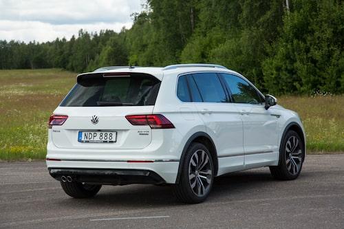 Volkswagen Tiguan är en vanlig syn på svenska vägar. Inte undra på det, bilen är bra.