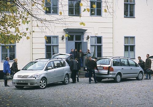 Toyota Avensis Verso och Volkswagen Sharan