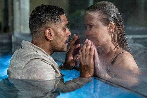 Alexander Karim och Lena Endre spelar kärlekspar i filmen Glaciär.