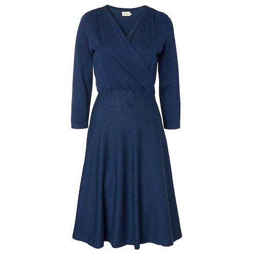 Stickad klänning från Jumperfabriken.