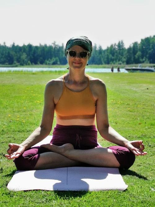 – Yogan hjälper mig att landa mitt i krisen.