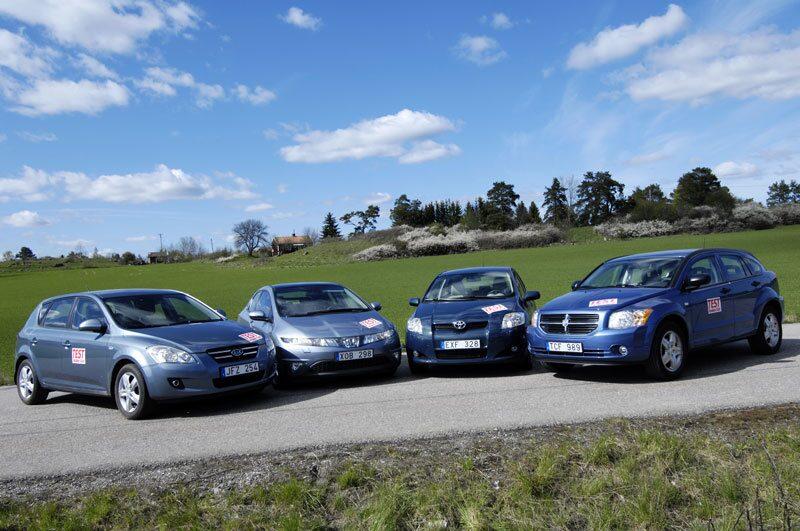 Är Toyota Auris så märkvärdig som reklamen lovar? Är Dodge Caliber verkligen ett svart får? Är billiga Kia Cee´d med i matchen och kan extrema Honda Civic tilltala en familj?