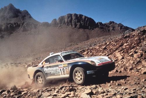 1986 års Paris-Dakarrally blev en stor framgång för Porsche som körde sin nya och avancerade sportbil till seger.