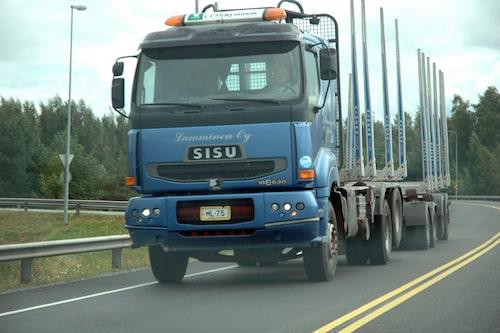 Finsk Sisu-lastbil, hans imponerad.