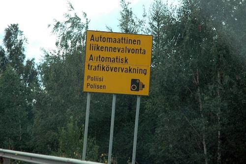 Ingen risk för killarna att fasta på bild i Finland.