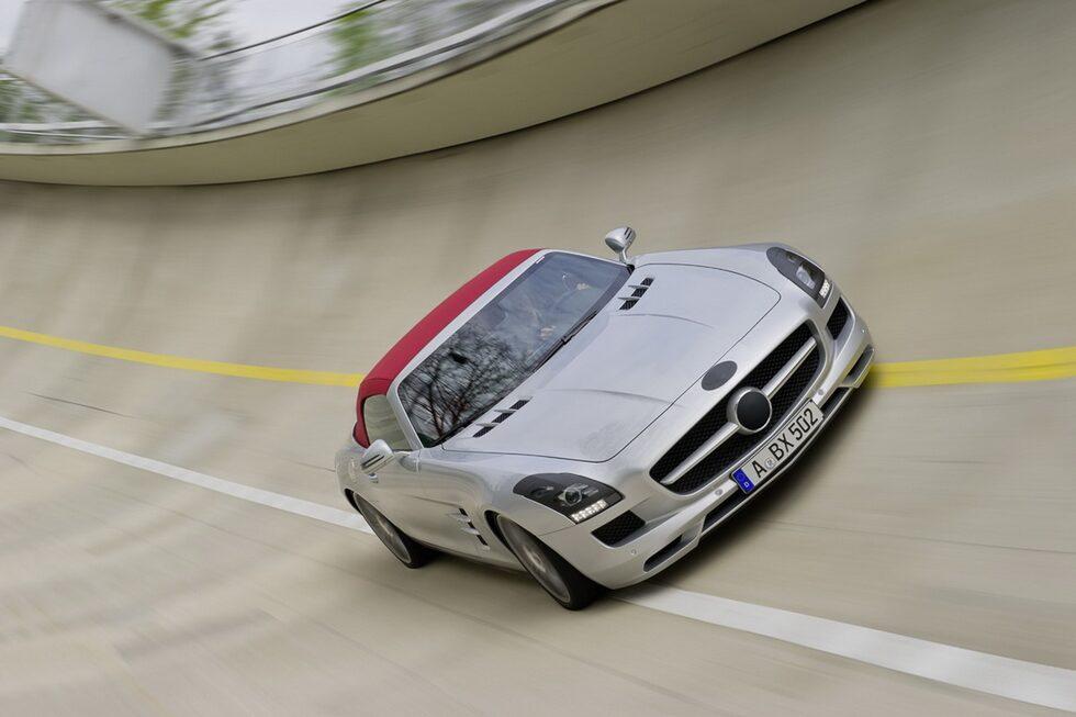 110505-mercedes-sls-roadster