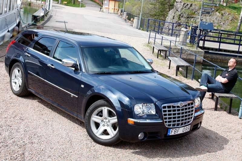 Provkörning av Chrysler 300C Touring