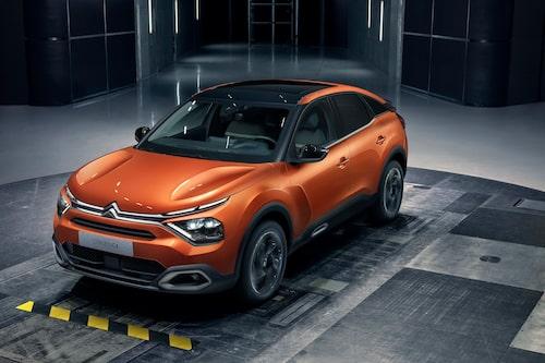 Nya C4 finns också med bensin- och dieselmotorer under huven.