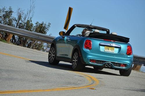 """""""Ett hjul i varje hörn"""" säger Mini-receptet, ger stabila och inspirerande köregenskaper."""