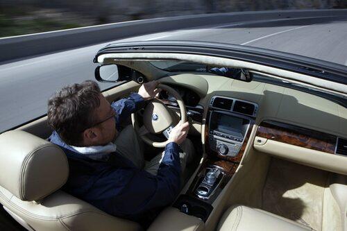 ...men befinner man sig i södra Frankrike är det cabrioleten som ska köras.