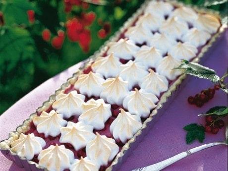 Vinbärspaj med marängtäcke