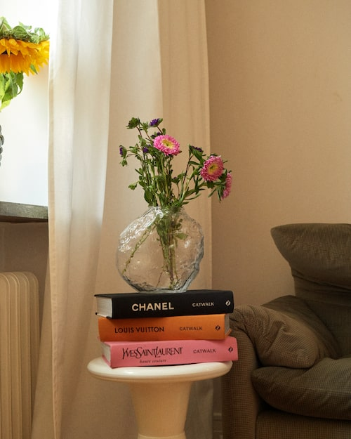 Vas och modeböcker från Gina Home.