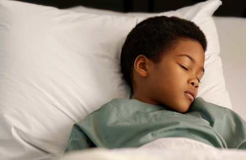 Bästa medicinen när barnen har magsjuka: Vila och vätska.