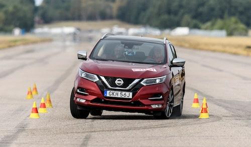 Dagens Nissan Qashqai har en paradgren – älgtestet. Ingen annan suv (inte många andra bilar heller, för den delen) når upp till Qashqais resultat. Klicka på bilden så kommer du till vår berömda älgtestlista.